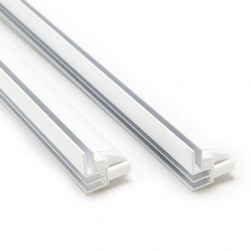 Profilé de structure pour tension de tissu